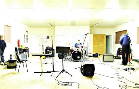 How To Set Up The Ideal Band Rehearsal Space Performer Mag