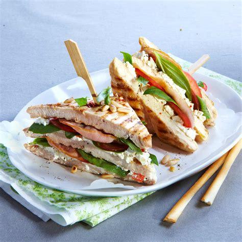 recette de cuisine au feminin sandwichs de poulet au bacon et basilic facile