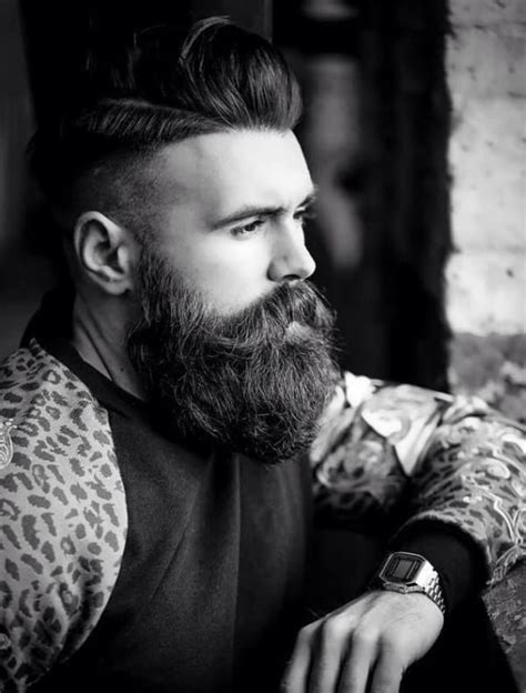 If you're looking for options for viking men's hairstyle, then definitely try this one out. 54 Best Viking Beard Styles For Bearded Men - Fashion Hombre