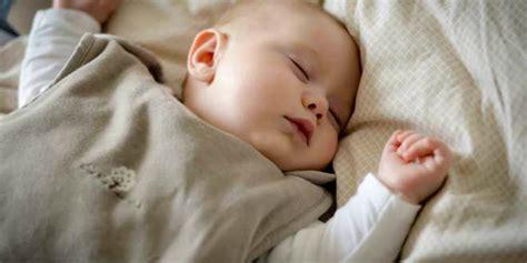 comment habituer bebe a dormir dans lit un sommeil paisible sans pleurs le bon sens
