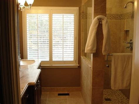 Simple Master Bathroom Ideas by Tips For Small Master Bathroom Remodeling Ideas Small