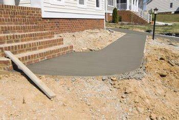 pour  level concrete pad  unlevel ground home