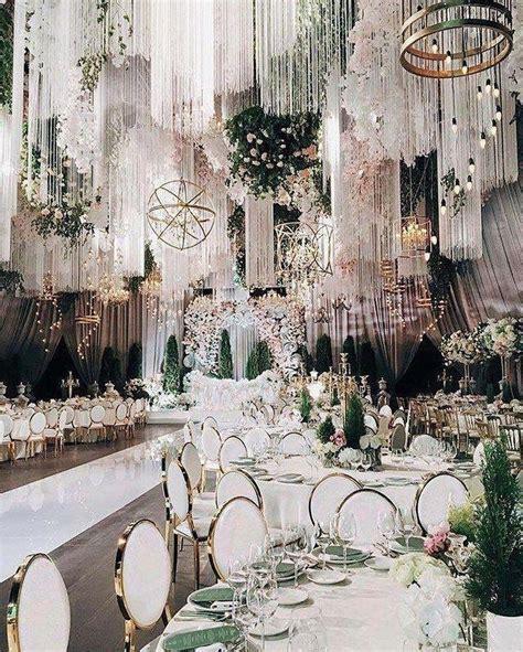 62 extravagant white indoor wedding ceremony 21 Свадьба