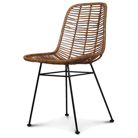 chaise en rotin but chaise design metal et rotin malaka demeure et jardin