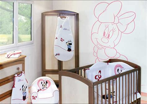 chambre de bébé disney decoration chambre bebe garcon disney