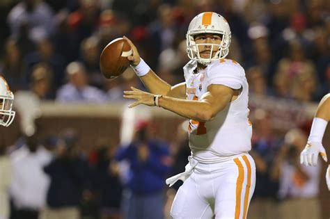 tennessee releases depth chart  saturdays game    alabama