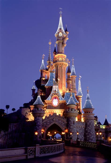 Disneyland Paris Celebrates The Holiday Season Disney