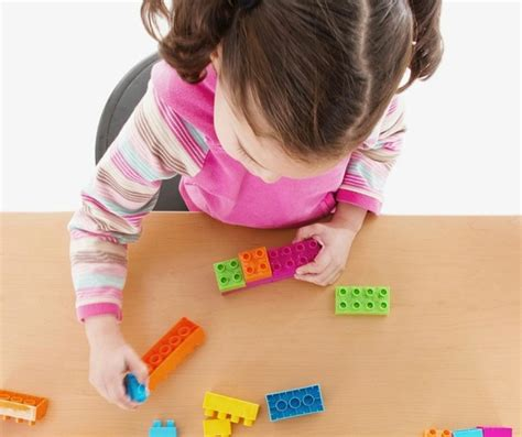 five major differences between montessori and traditional 842 | LIFEBEGINSAFTERCOFFEE 1 e1459870221239