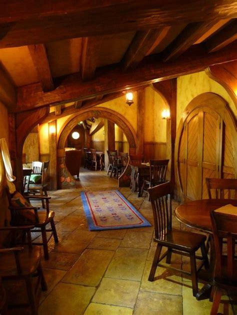 la maison de hobbit maisons uniques inspirees par le