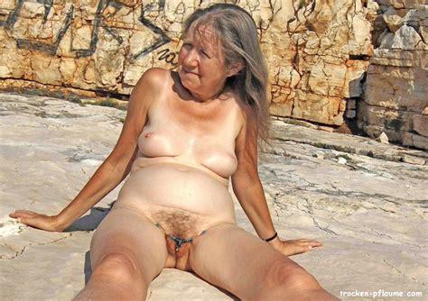 nackte sehr alte frauen nackt