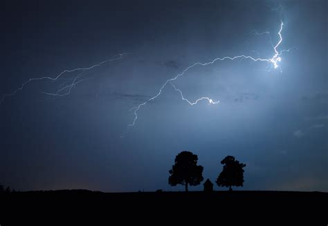 World S Lightning Bolt Travelled Almost 200 Time