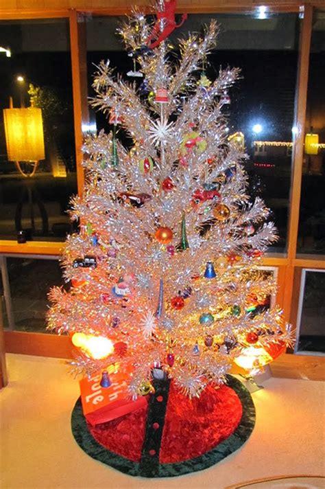 aluminum christmas trees for ssle mi vintage aluminum trees our favorite eye modern nc homes