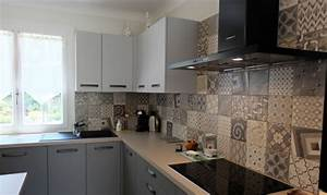 carreaux de ciment habillez le sol les murs et la With credence cuisine carreaux de ciment