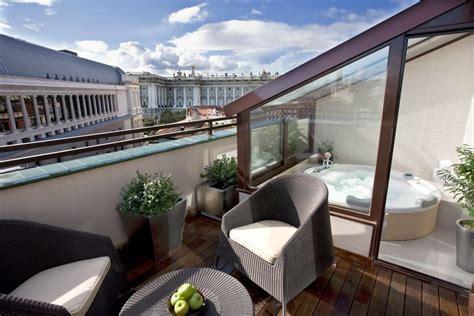 terrazzo o terrazza chiudere un balcone o una terrazza 7 domande da porsi