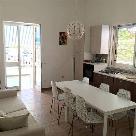 cucina in veranda nr 3 libeccio bilocale p terra con veranda all