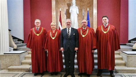 Valsts prezidents viesojas Augstākajā tiesā   Latvijas ...