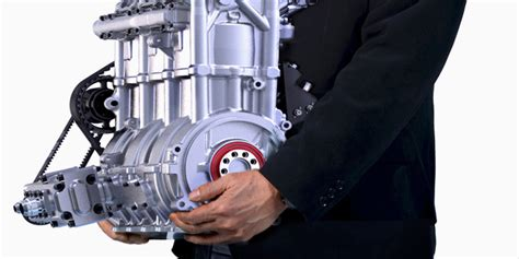 Small But Powerful Engines by Nissan S Powerful New Engine Weighs Just 88 Pounds