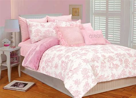 Pink Bedroom Set by Coral Magenta And Pink Bedroom Decorating Ideas