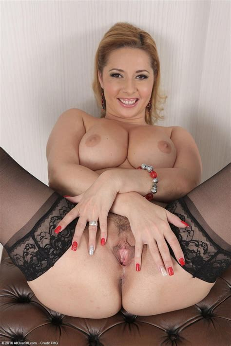Daria Glover Hot Wife In Stockings