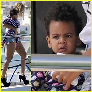 Beyonce & Blue Ivy Arrive in Ibiza After Made in America ...