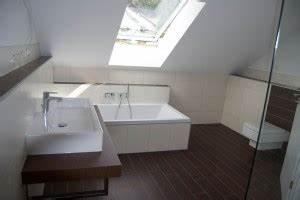 Badewanne Unter Dachschräge : position der badewanne unter dachschr ge seite 2 ~ Lizthompson.info Haus und Dekorationen