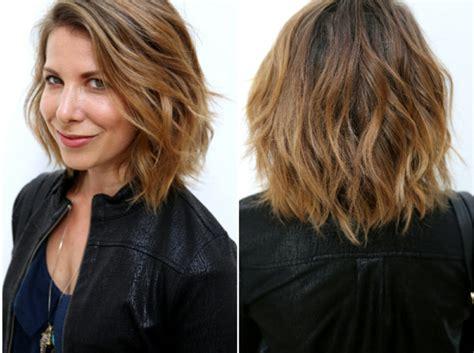 Moderne Männliche Und Weibliche Haarschnitte Und Haarfärbungen