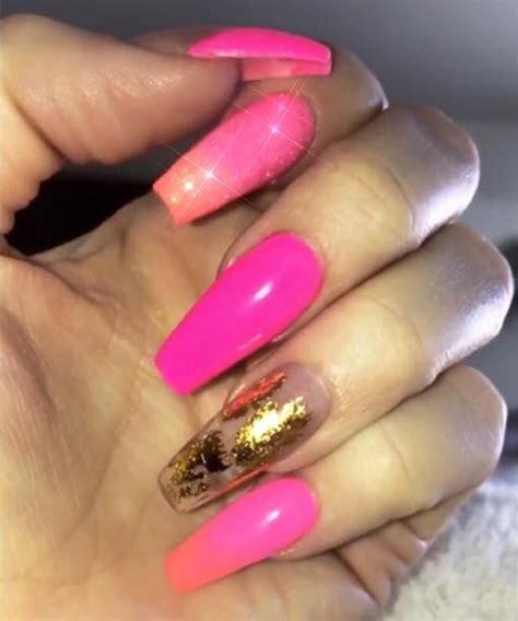 Khloe Kardashian Gold, Hot Pink Foil, Ombré Nails | Steal ...