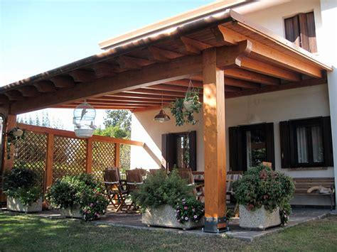 foto tettoie in legno pergolato in legno lamellare clc212
