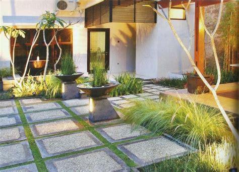 memilih batu alam  desain taman minimalis jasa