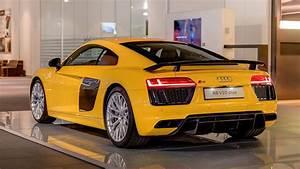 Audi R8 V10 Plus : vegas yellow 2016 audi r8 v10 plus arrives at audi forum ~ Melissatoandfro.com Idées de Décoration