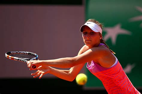 Osaka looked much better to open the second set. Who is Rising Czech Teenager Marketa Vondrousova? - Last ...