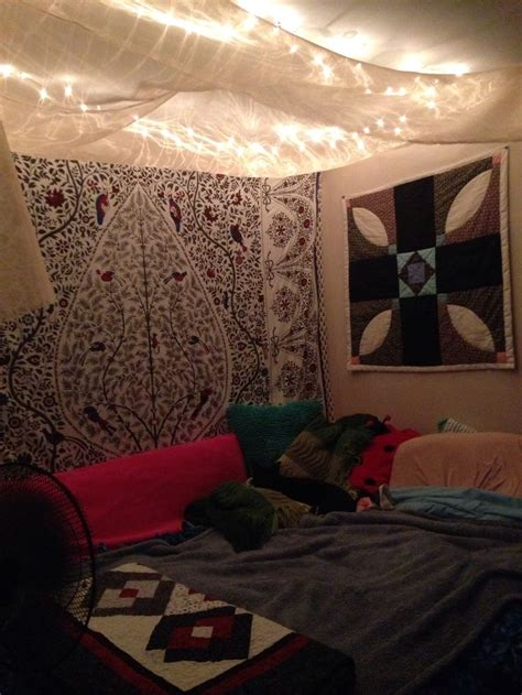 ideas  christmas lights   bedroom feed inspiration