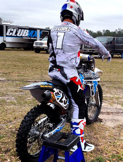 how to be a pro motocross rider q a pro motocross rider hector lopez autoline preowned