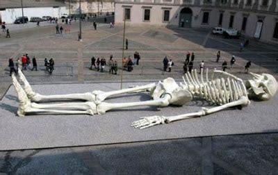 Patiešām lielas lietas: Skelets