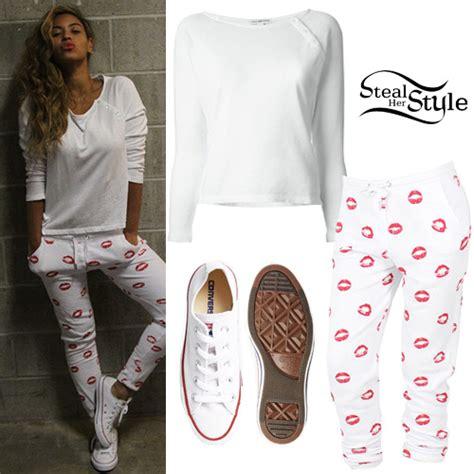 Beyoncé: White Top, Kiss-Print Pants | Steal Her Style