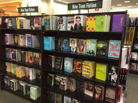 Teen Sci-fi Book Covers At Barnes & Noble