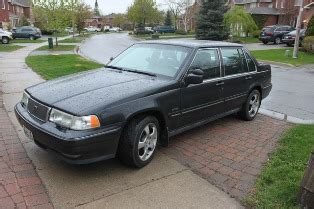 volvo  sedan perfect condition  toronto
