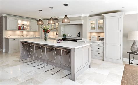Designer Kitchens  Traditional & Contemporary Kitchens