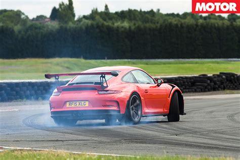 porsche drift car porsche 911 gt2 rs drift drifting nissan juke r porsche