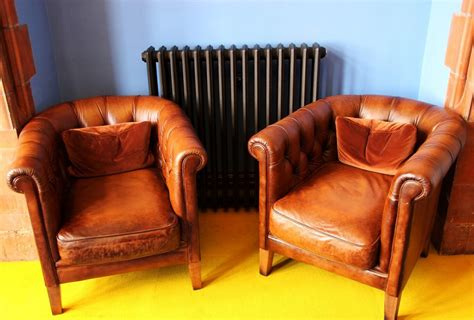 How To Clean Leather Sofa by How To Clean Leather Sofa With Vinegar A To Home