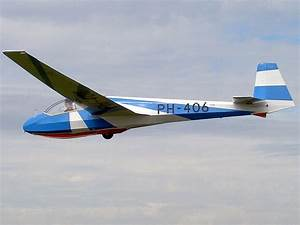 File:PH-406 Schleicher ASK-13 pic2.JPG - Wikimedia Commons