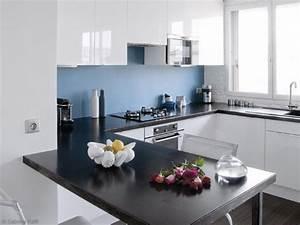 Idee deco cuisine blanche et bleu for Idee deco cuisine avec cuisine blanche et grise et bois