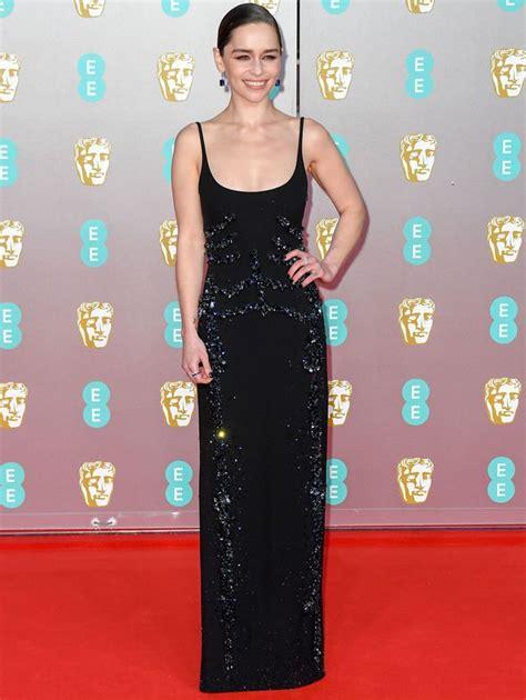 Emilia Clarke: Braless Game Of Thrones actress risks ...