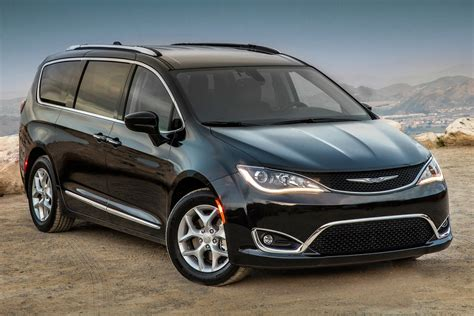 2017 Chrysler Pacifica Minivan Pricing For Sale Edmunds