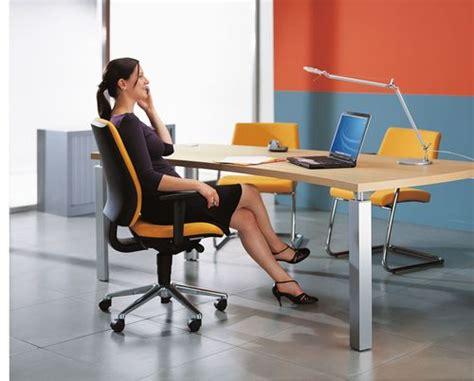 emploi de menage de bureaux bien choisir votre siège de bureau le dos est roi vive