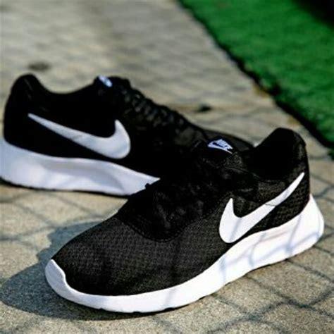 Harga Nike Tanjun Original jual original nike tanjun black white di lapak zein