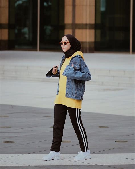 style hijab nonton bola minimax production