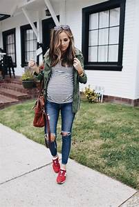 21 Cute Spring Maternity Outfits With A Cozy Feel - Styleoholic