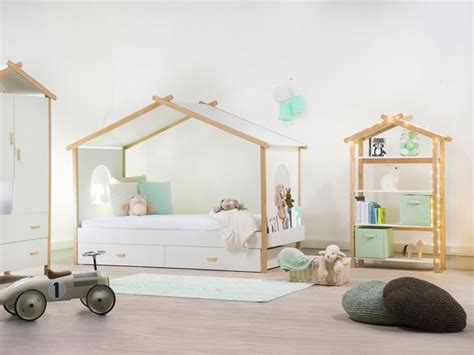 comment peindre chambre mansard馥 comment peindre une chambre mansarde finest peinture chambre quelle couleur besancon peinture pastel violet toilettes chambre mansarde e