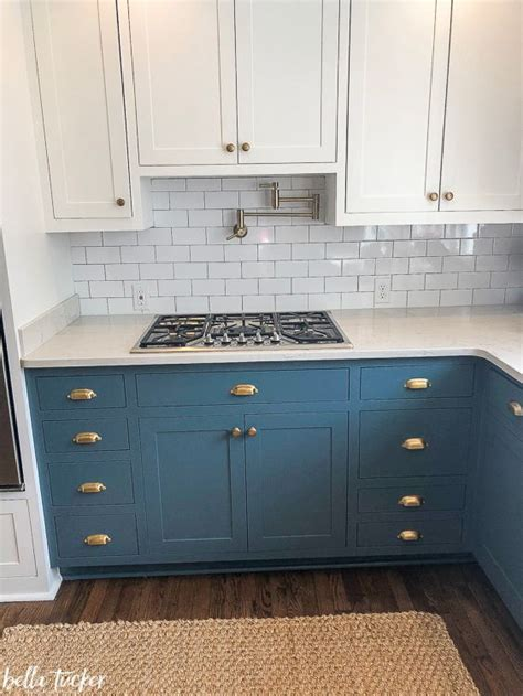 farmhouse 2 tone kitchen cabinets best 25 two toned cabinets ideas on two tone